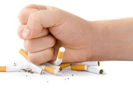 Як кинути курити і не набрати вагу (думки лікарів)