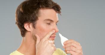 спрей в нос мужчине