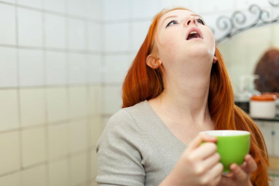 Полоскание с яблочным уксусом укрепляет голосовые связки и помогает возвратить звонкость голоса.