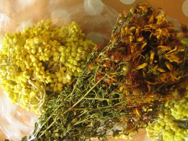 Сбор трав, включающий в себя эвкалипт, ромашку, шалфей, зверобой, лаванду, череду от гайморита