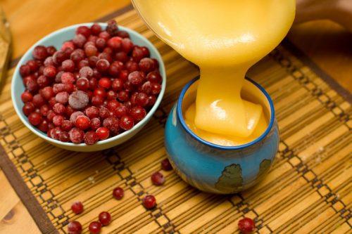 сок брусники с медом