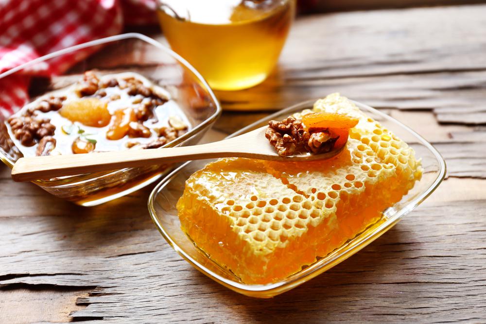 Користь меду і волоських горіхів для чоловіків