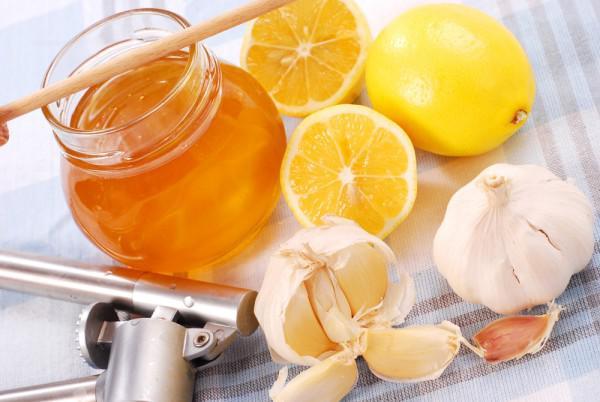 Лук, лимон и мед