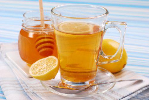 горячий чай с медом и лимоном