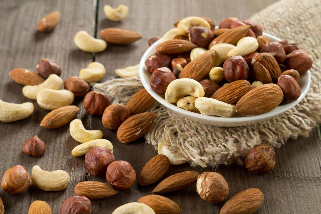 Які горіхи корисні для здоров'я чоловіка