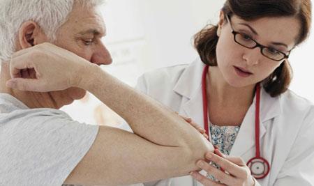 К какому врачу обращаться при остеопорозе