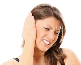 Что делать в случае болей в ухе