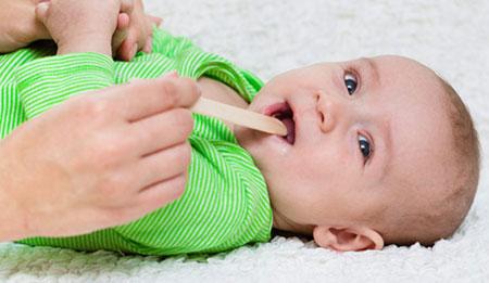 Гной в горле у ребенка, фото обследования