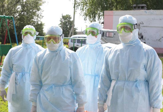 команда медицинских работников