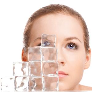 Использование льда для лица поможет продлить молодость и сохранить красоту