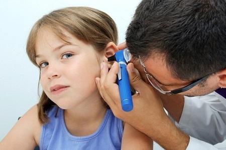 Признаки и лечение катарального отита
