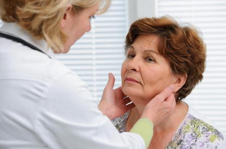 Кому необходимо проверить щитовидную?