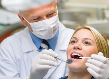 Необходимо наблюдаться у врача стоматолога