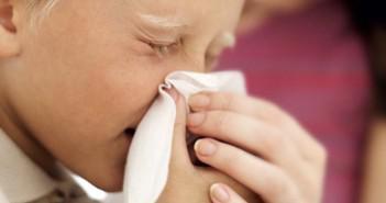Лечим насморк у детей народными средствами