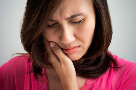 Проявление симптомов воспаления тройничного нерва