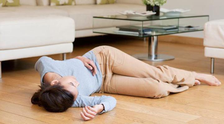 Обмороки при гипотонии: причины, первая помощь, профилактика