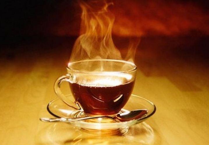 Обильное питье теплой жидкости