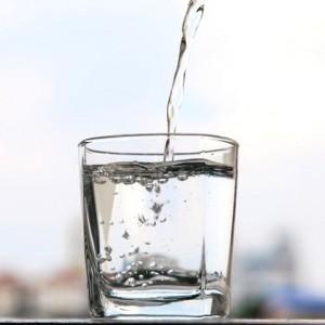 пить большое количество воды