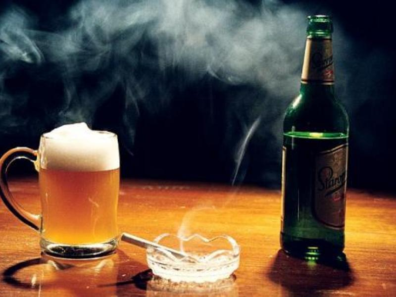 Причиной развития рака миндалин являются курение и алкоголь