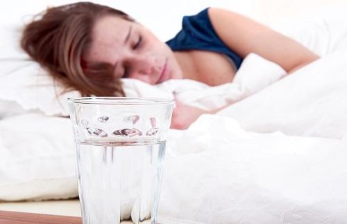 Но чтобы травы при гнойной ангине действительно дали положительный результат, лечение в обязательном порядке должно сопровождаться постельным режимом и обильным питьем.