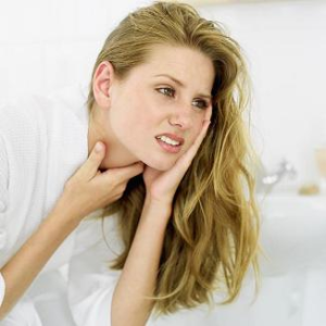 Атипичный вариант развития инфекции - боль в горле