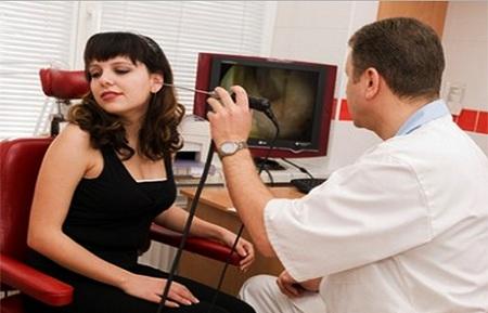Диагностировать болезнь и назначать лечение должен врач